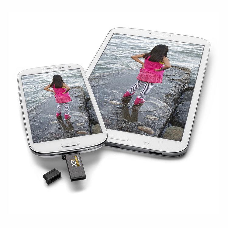 Voyager Go USB Drive and tablets